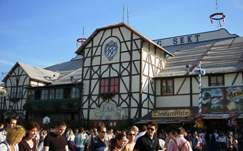 Addresses beer tents and hosts - Munich Oktoberfest Reservation Tips